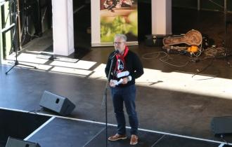 5 Hanno Franke, LEiter der Marketing ABteilung des SC Freiburgs will wissen, wie viele der Erstis eigentlich SC Fans sind