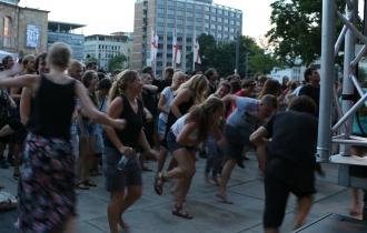 FSE18 Tanzende Menschen