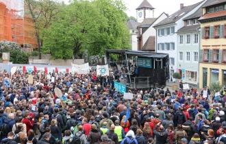 """Nach polizeilichen Schätzungen nahmen 2.500 Menschen am """"March for Science"""" teil."""