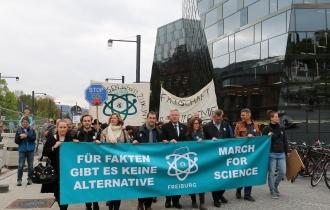 """Um 11 Uhr startete der """"March For Science"""" am Platz der Weisen Rose."""