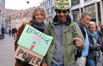 Ida und Alex studierten beide Forst- und Umweltpolitik an der Uni Freiburg.