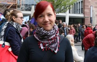 """""""Der Klimawandel steht nicht zur Diskussion"""", sagt Laura, Doktorandin am Fraunhofer-Institut für Solarenergie (ISE)."""
