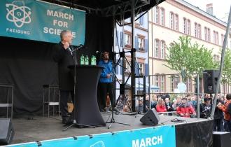 """Hans-Jochen Schiewer unterstützt den """"March For Science""""."""