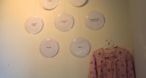 Diese Ecke der Ausstellung bezieht sich auf das Warten im Alter.