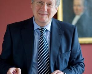 … Uni-Rektor Schiewer