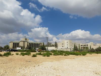 Der Campus umfasst 24 Hauptgebäude. Zu viele um alle auf ein Bild zu bannen.