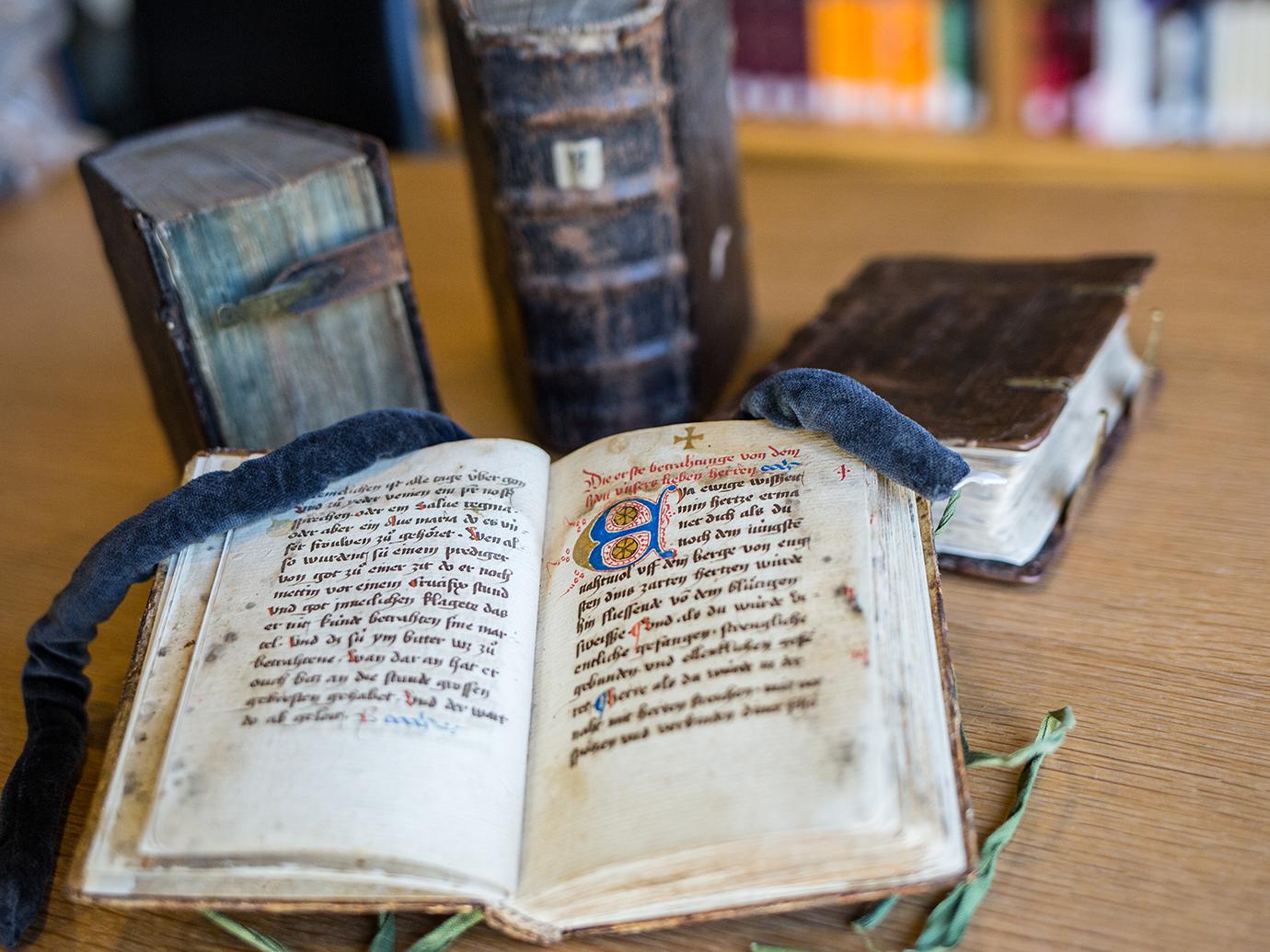 Buochmeisterinne – Handschriften aus dem Freiburger Dominikanerinnenkloster