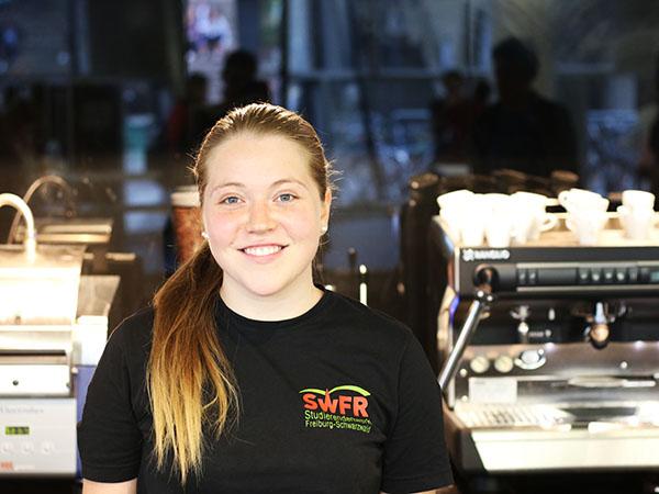 Kathrin Rück Studentin Und Mitarbeiterin Im Café Libresso Unicross