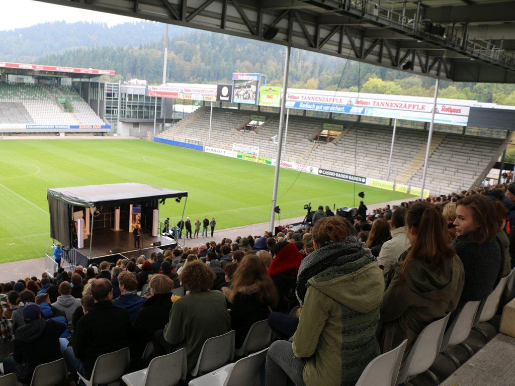 Ein Stadion voller Erstsemester