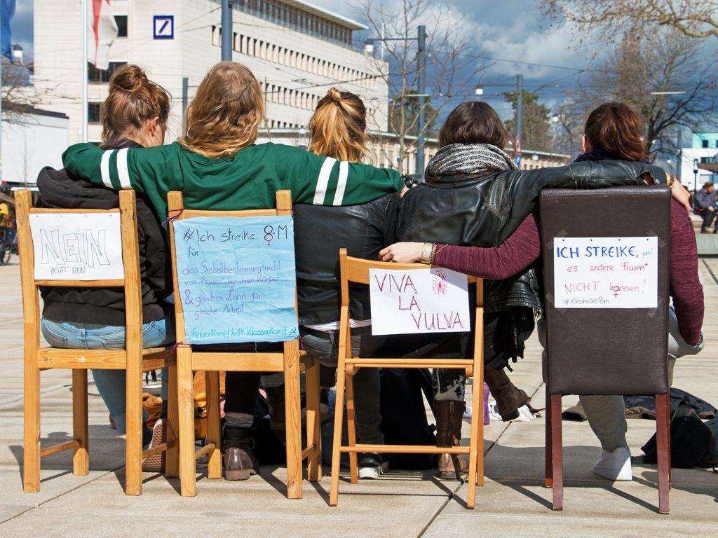 Frauen* und Queers streiken in Freiburg