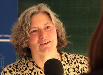 Interview mit Prof. Kerstin Krieglstein: Die erste Rektorin der Uni
